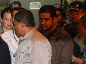 Nazaruddin Tiba Di KPK (VIVAnews/Fernando Randy)